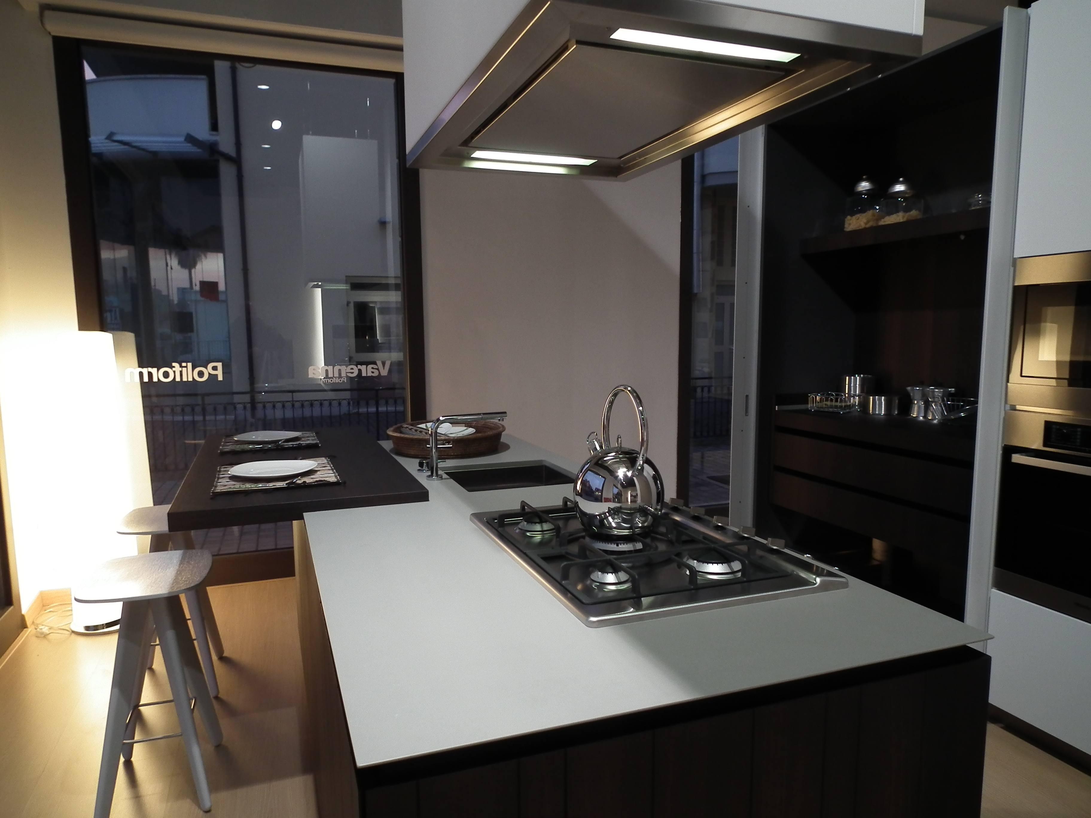 Arredi cucine cucine rustiche molto belle sia per case di - Arredo tre cucine opinioni ...